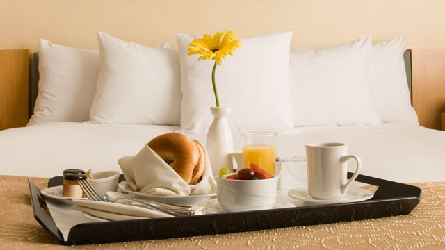 Room Service: Healthy Business Travel: Eating Healthy On The Go » PfitBlog